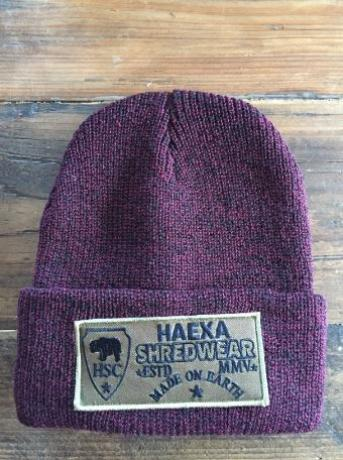 BEANIE PATCH DARK RED